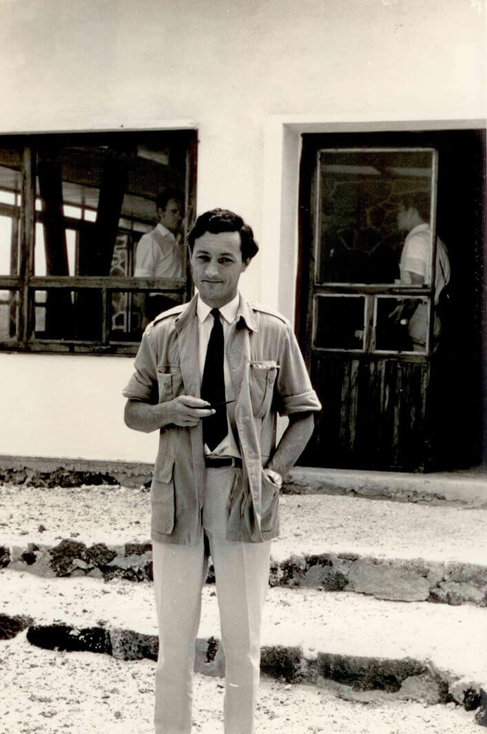 Roger Perry at the Charles Darwin Research Station (CDRS) © CDF