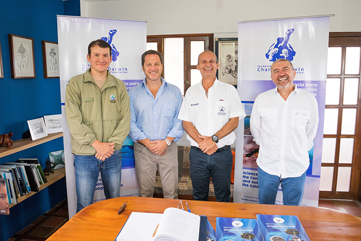 From left to right: Dr. Jorge Carrión (Environment Area Director of the GNPD), Santiago Dunn (Executive President of Ecoventura), Dr. Arturo Izurieta (Executive director of CDF), Eliecer Cruz (a member of CDF's board).