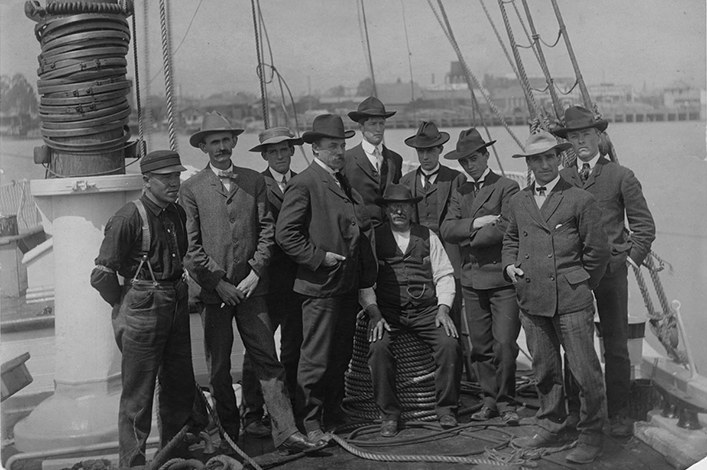 First expedition of the California Academy of Sciences to Galápagos, in 1905.