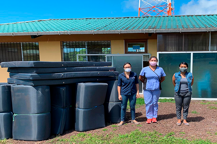 Charles Darwin Foundation Donates Hospital Mattresses to the Medical Center in Galapagos